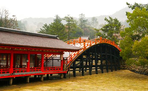 厳島神社 反橋